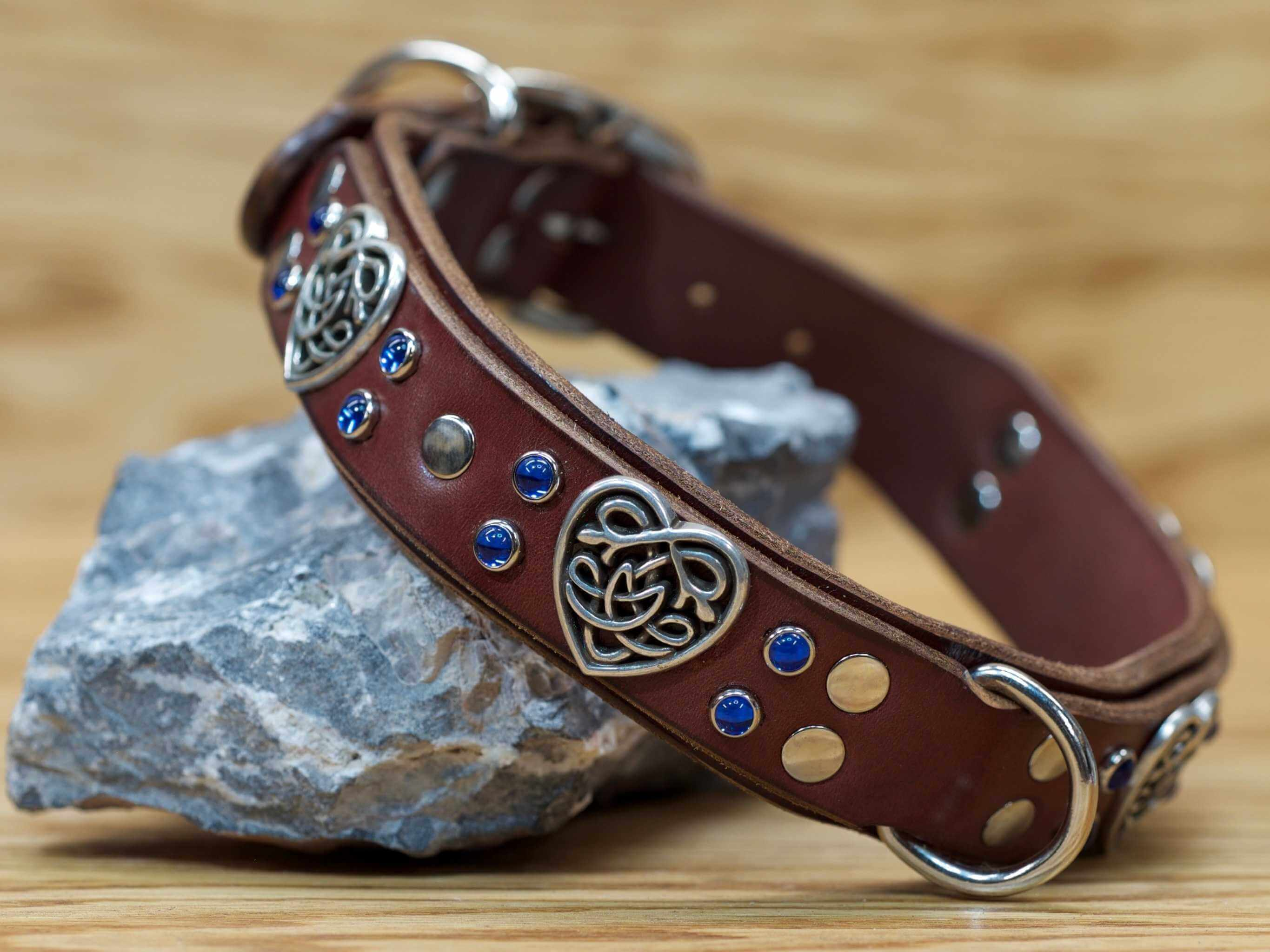 Collar shown in chestnut brown with blue stones