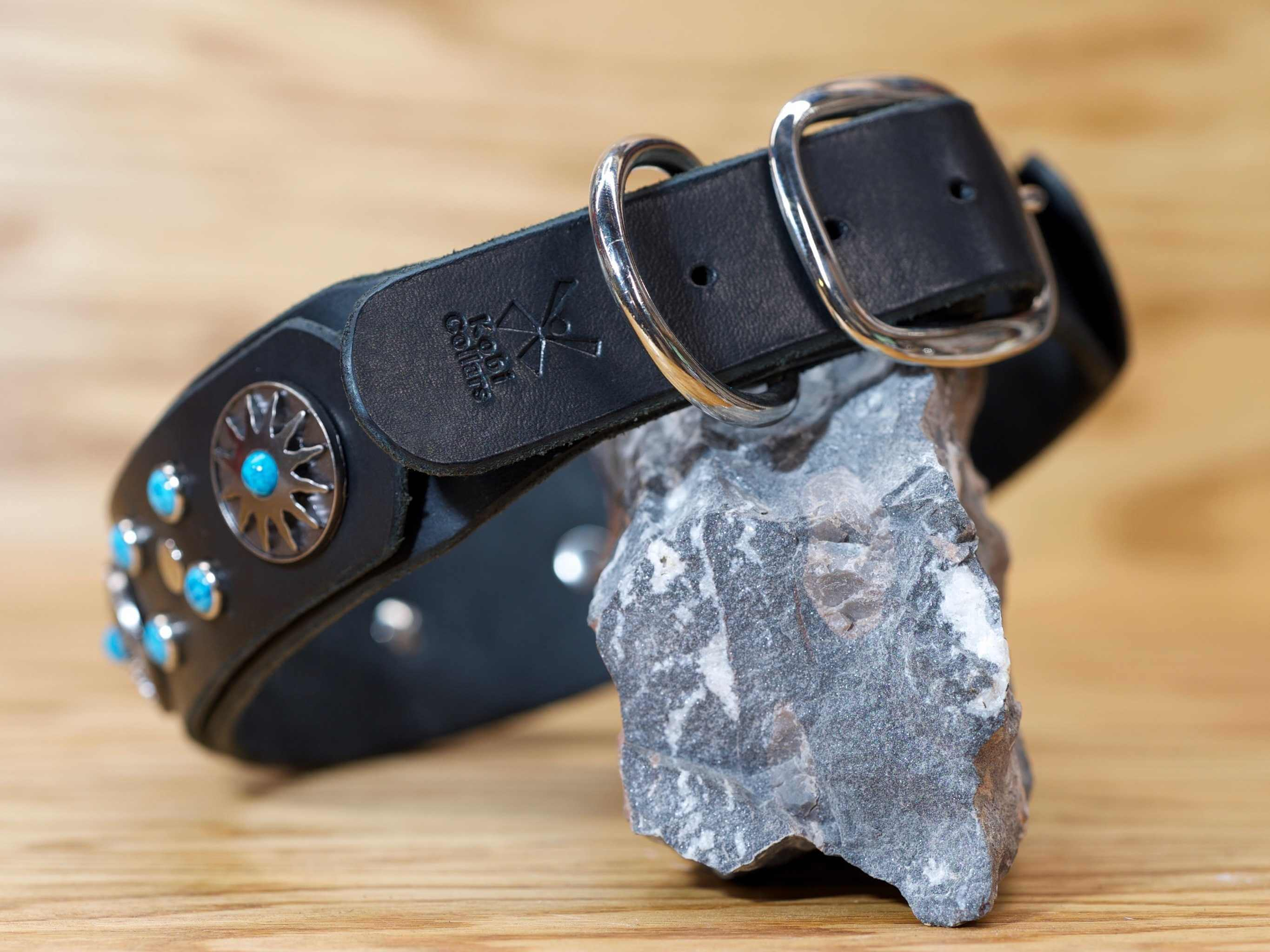 A stepped down buckle size makes this wide dog collar comfortable to wear