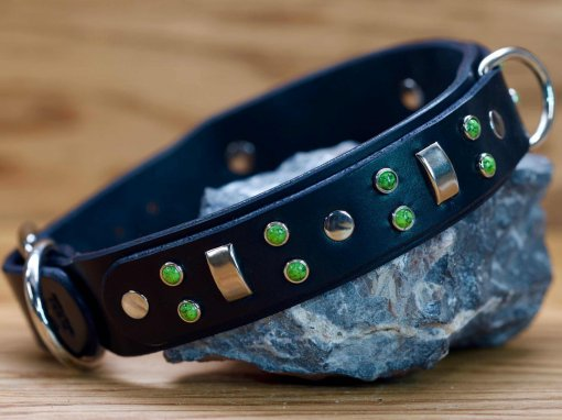 Niko custom leather dog collar
