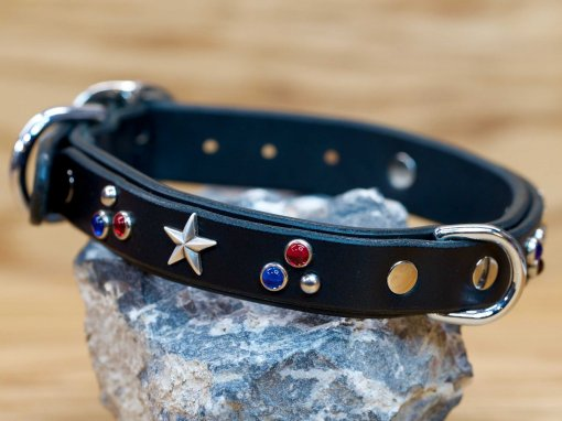 The Patriot custom leather dog collar